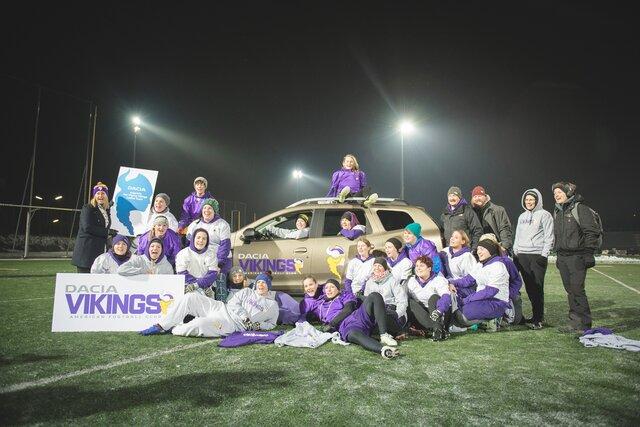 Das Frauenteam des Dacia Vikings American Football Club am Weltfrauentag