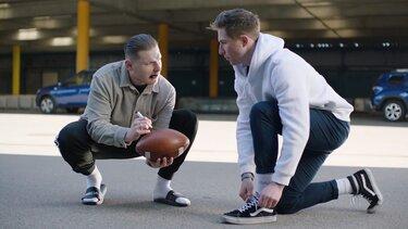 Slav mit einem Football