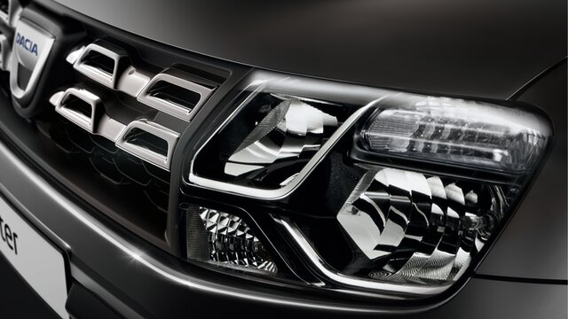 Scheinwerfer im Dacia Duster