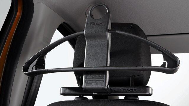 Dacia Duster– Kleiderbügel an Kopfstütze
