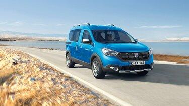 Dacia Dokker - blaues Freizeitfahrzeug
