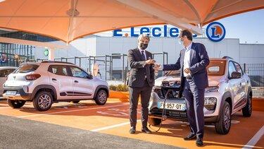 Luca De Meo, direktor Grupe Renault i Michel-Edouard Leclerc, predsjednik strateškog odbora E.Lecler
