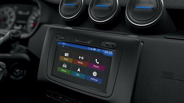 MEDIA NAV Evolution navigációs és multimédia rendszer