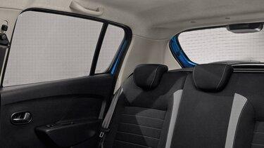 Dacia Sandero  mit Sonnenblende im Innenraum