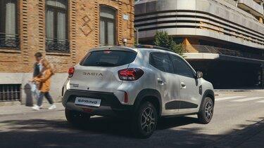 Nowa Dacia Spring na zewnątrz