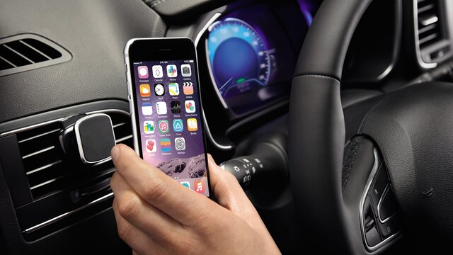 Supporto smartphone magnetico Dacia Duster vista iPhone