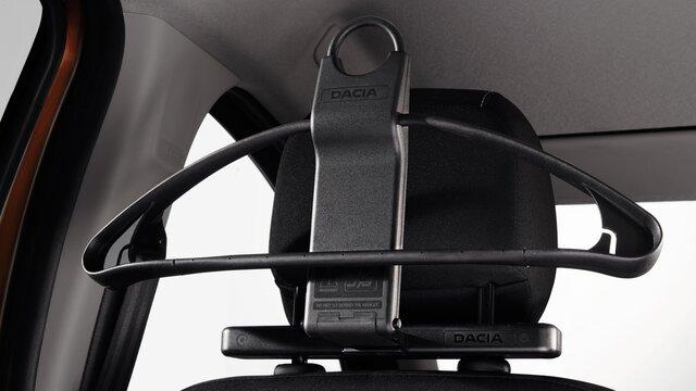 Kledinghanger aan hoofdsteun voor je Dacia Duster SUV