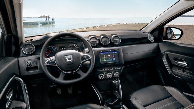 SUV Duster intérieur planche de bord