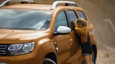Narančasta Dacia Duster