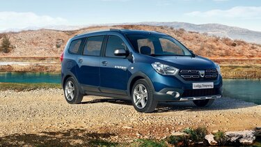 Dacia Lodgy - z zewnątrz w kolorze niebieskim