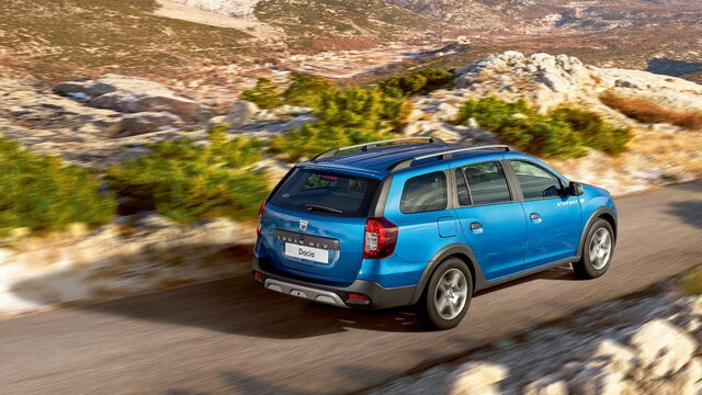 Logan MCV Stepway - blue estate