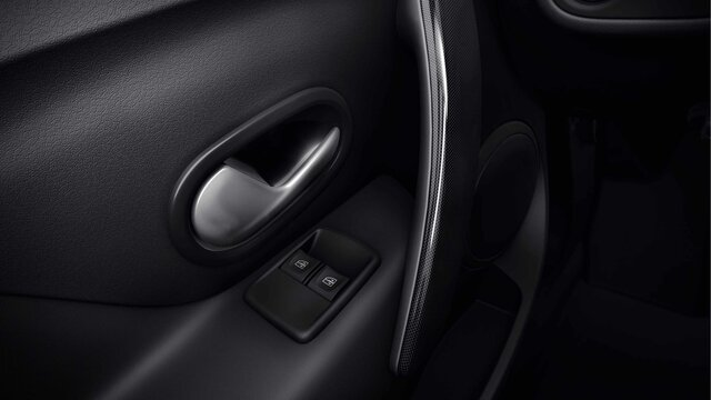 Logan MCV Stepway - window controls