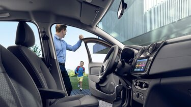 Logan Interior - Sistema Media Nav Evolution