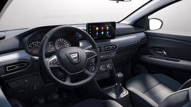 Új Dacia Logan családi szedán belső kialakítása, kormány és műszerfal