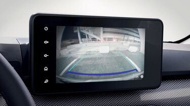 Sandero parking distance control and rear view camera
