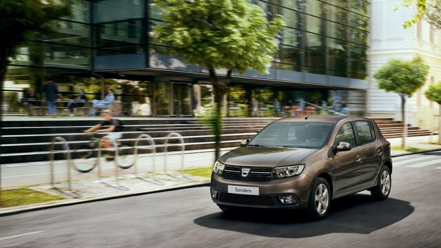 Dacia Sandero - Berlina all'esterno