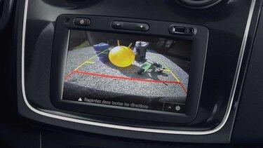 Sandero - kontrola vzdálenosti za vozidlem při parkování a zadní parkovací kamera