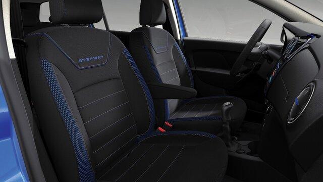 Dacia Sandero Stepway seria limitowana Techroad - Widok przednich siedzeń i stanowiska kierowcy