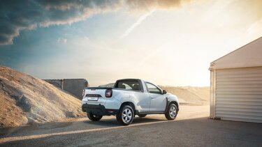 Dacia Duster Pick-up - exterior culoare alba