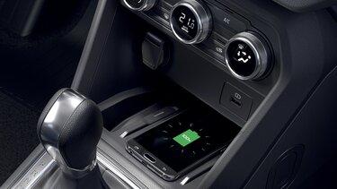 Bezdrôtová indukčná nabíjačka na smartphone – Nové Dacia Sandero