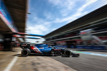 Alpine F1 in der Boxengasse Monaco