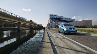 Blauer Renault ZOE Außendesign Front