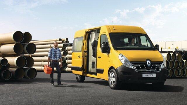 Renault Master auf Baustelle