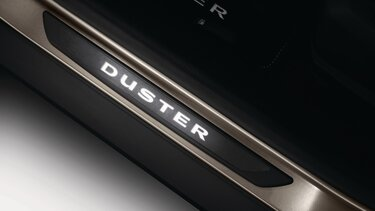 Duster - Moldura estribo iluminada