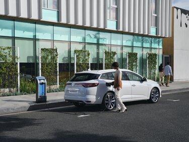 MEGANE E-TECH ‒ nabíjateľný hybridný hatchback
