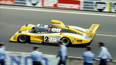 Renault Motorsportwagen auf der Rennstrecke zwischen 1971 und 1980