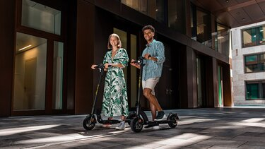 Renault mit SO4 E-Scooter