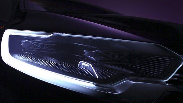 Renault Initiale Paris Concept Car Scheinwerfer