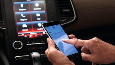 Handy stellt Bluetooth-Verbindung zum Multimediasystem von Renault