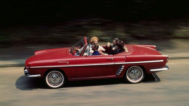 Renault Floride auf der Landstraße