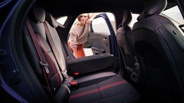 Renault Captur Innenraum, Vorder- und Rücksitze