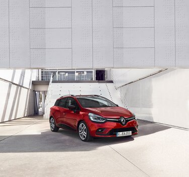 Roter CLIO Grandtour, Seitenansicht