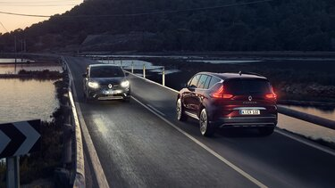 Renault ESPACE Innenraum, Armaturenbrett und EASY LINK-Touchscreen-Tablet
