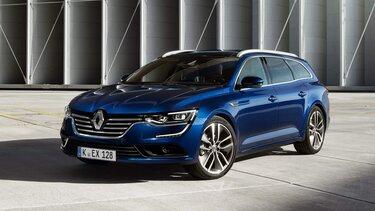Nahaufnahme vom Renault Talisman Grandtour vor moderner Architektur