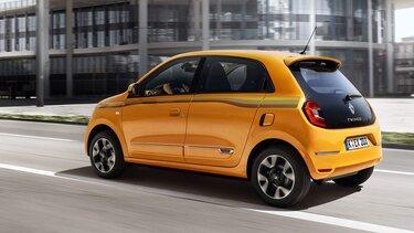 Der Renault Twingo in Fahrt in der Stadt