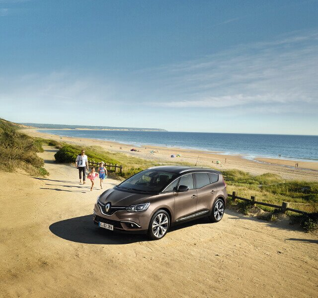 Renault Grand SCENIC am Strand