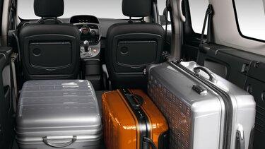 Kangoo Kofferraum mit Koffern