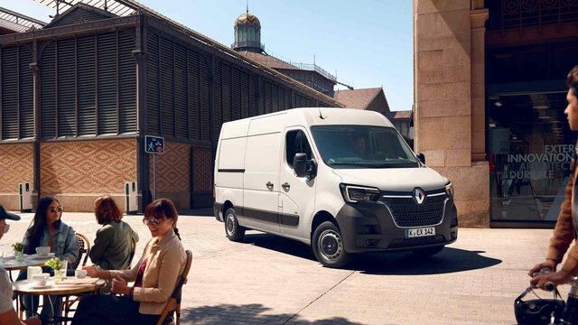Renault Master exterior lifes
