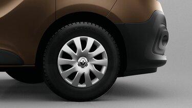 Reifendruckkontrolle beim Renault Trafic Combi