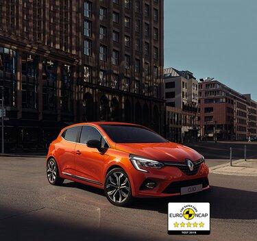 CLIO, lille orange bil udvendigt