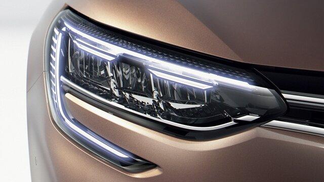 Renault C-shape lyssignatur