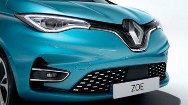 Renault ZOE - Primer plano de la calandra, los faros y el capó