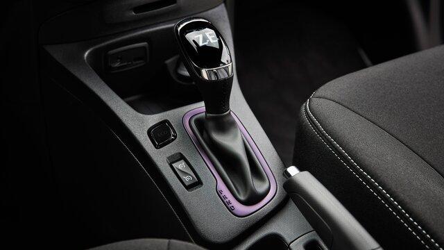 Renault ZOE interior blueberry