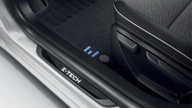 Renault  CLIO Edition Limitée E-TECH, marquage intérieur