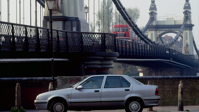 Renault 19 in London