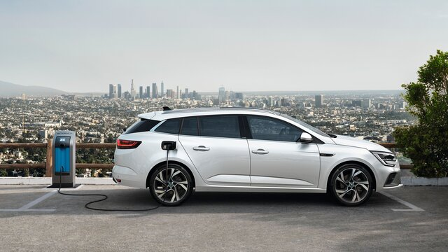 All-New Renault MEGANE compact saloon
